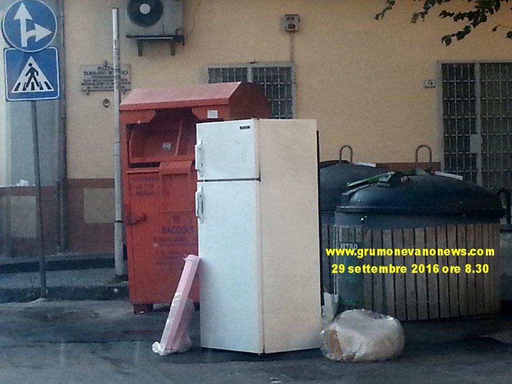 grumo-nevano-frigorifero-in-sosta